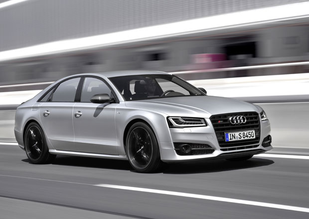 Audi S8 plus: Luxusn� sedan nab�z� v�kon 605 kon�