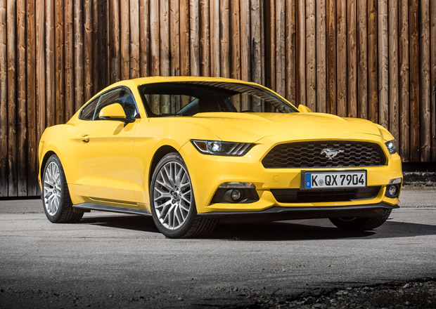 Ford Mustang: Facelift přinese v roce 2017 desetistupňový automat
