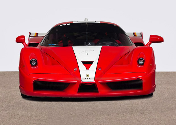 Ferrari FXX podepsan� �Schumim� m��� do aukce