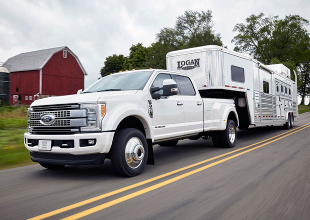 Ford uvádí novou generaci F-Series Super Duty (+video)