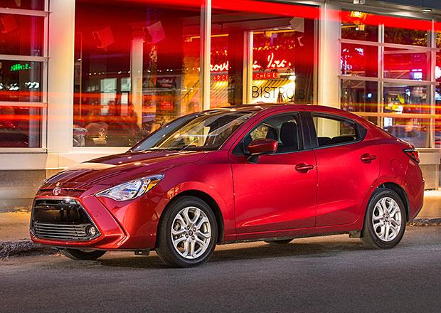 Toyota Yaris Sedan je... ošklivější Mazda 2