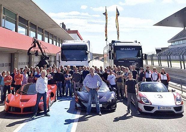 Chris Evans bude moderovat Top Gear sám, Clarkson a spol. zahájili natáčení