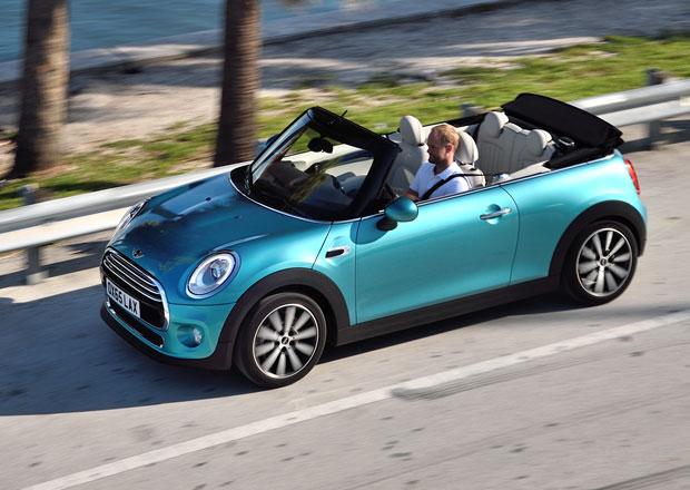 Nov� Mini Cabrio nat�hne st�echu za 18 sekund (+video)