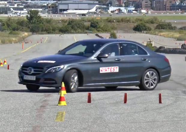 Hybridní Mercedes-Benz C350 e měl problémy v losím testu (+video)