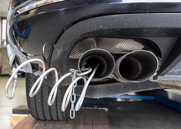 Měření emisí bude přísnější, schválila Evropská komise. Nejdříve však v roce 2017.
