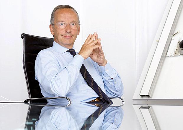 Šéfdesignér Volkswagen Group Walter de Silva opouští společnost, odchází do důchodu