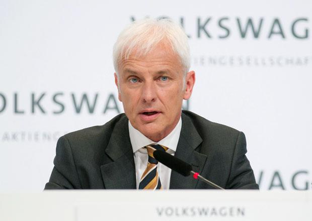 Zisk Porsche SE se kv�li emisn� af��e VW propadl o polovinu