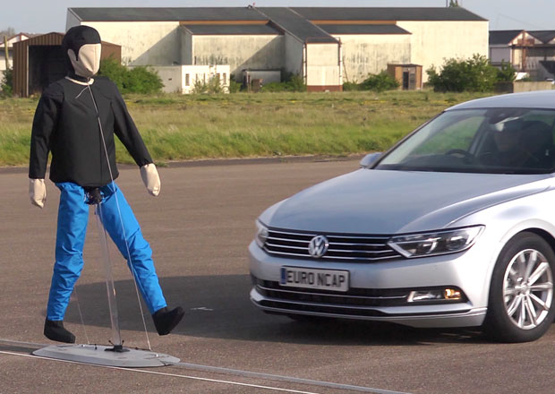 Euro NCAP se zam��� na autonomn� detekci chodc�