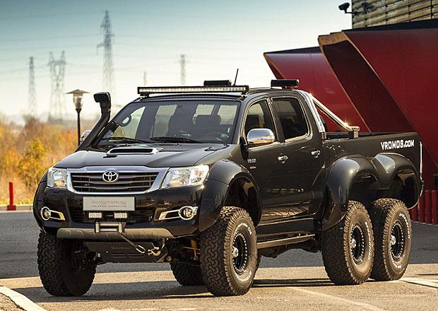 Toyota Hilux: Brutální šestikolka v bulharské spolupráci