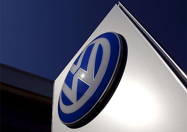 V Anglii objevili Ameriku: Podle BBC pr� VW Passat pozn� m���c� cyklus!