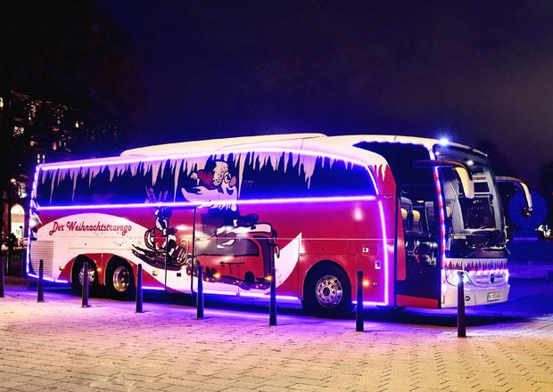 Mercedes-Benz odhaluje vánoční Travego