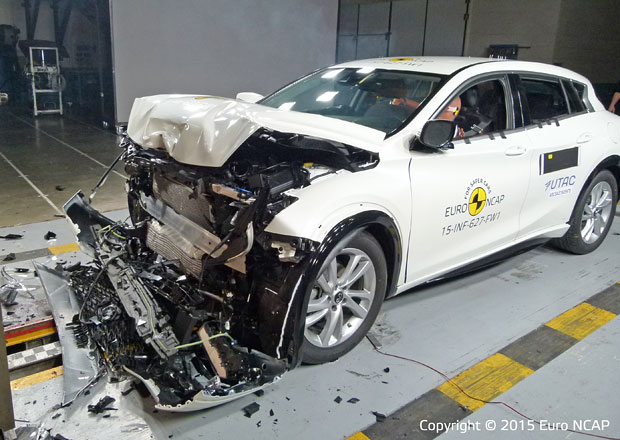 Euro NCAP 2015: Infiniti Q30 – Pět hvězd pro první kompakt značky