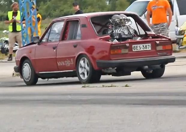 Zběsilost z Finska: Škoda 120 L jako dragster. Na stovce za dvě sekundy! (+videa)