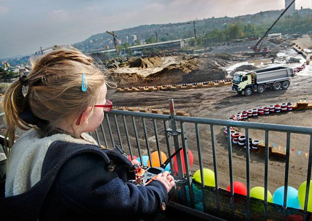 Volvo Trucks: Jak se nat��elo se �ty�letou Sophie a FMX (+video)