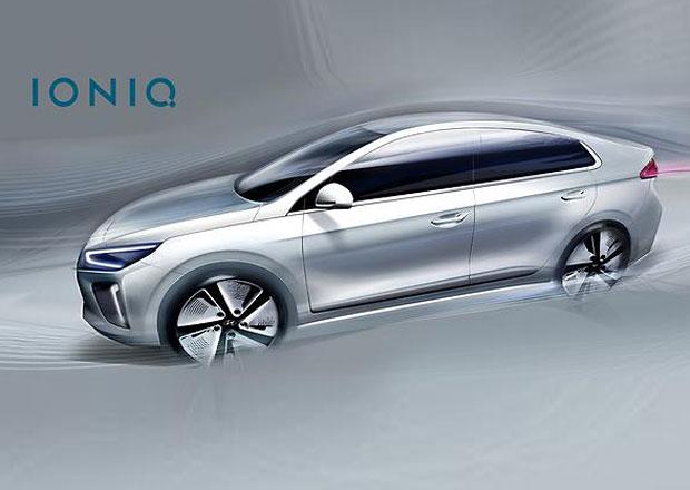 Hyundai IONIQ: Hybridní fastback se postupně odhaluje. Tentokrát interiér.