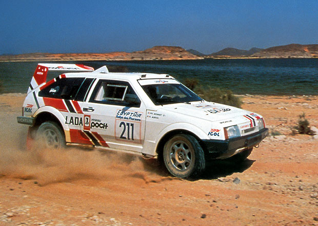 Lada Samara T3 jezdila Dakar, speciál s motorem Porsche sedlal i Jacky Ickx (+video)