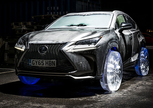 Crossover Lexus NX dostal ledová kola (video)