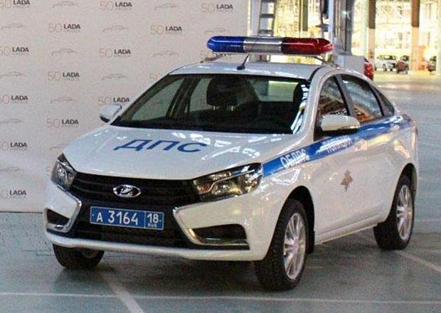 Lada Vesta Police: Ruští policisté zkoušejí nový speciál