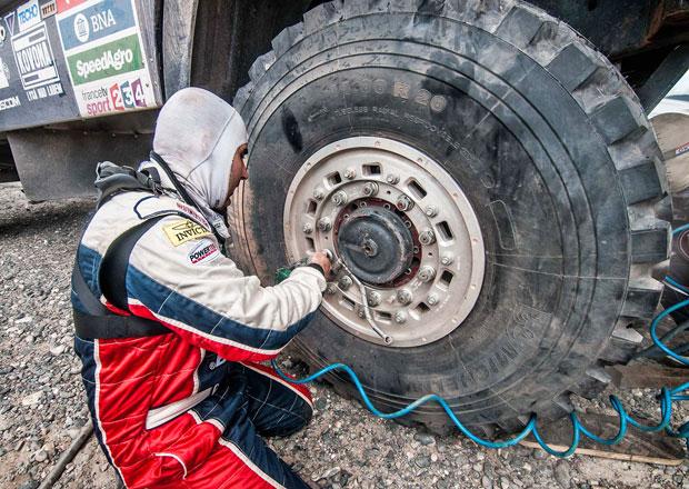 Dakar živě: Jeden den v životě profesionálního závodního týmu