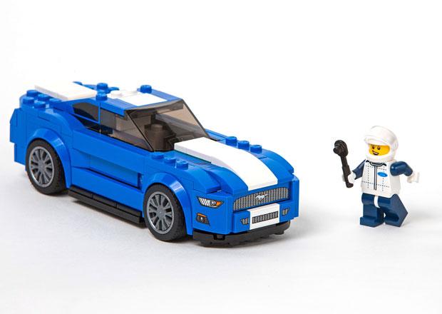 Lego a Ford p�edstavuj� tak trochu jin� Mustang, F-150 Raptor a Model A