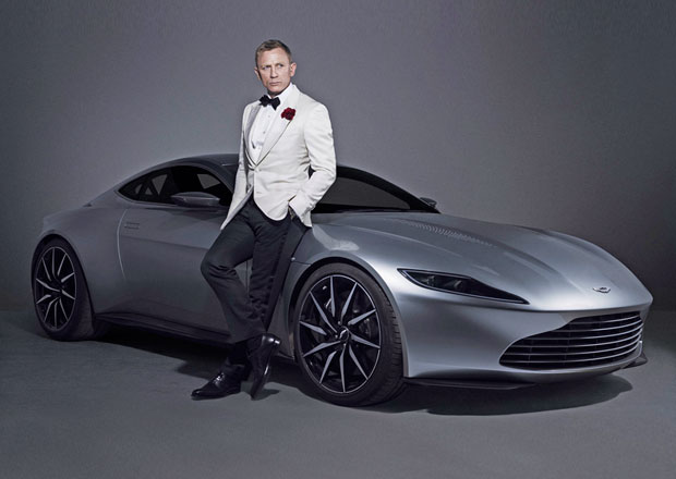 Bondův Aston Martin DB10 míří do aukce (+video)