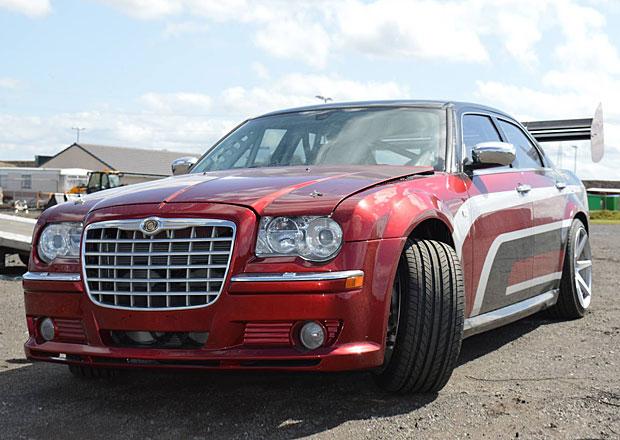Chrysler 300C: Driftovac� speci�l s motorem z Viperu
