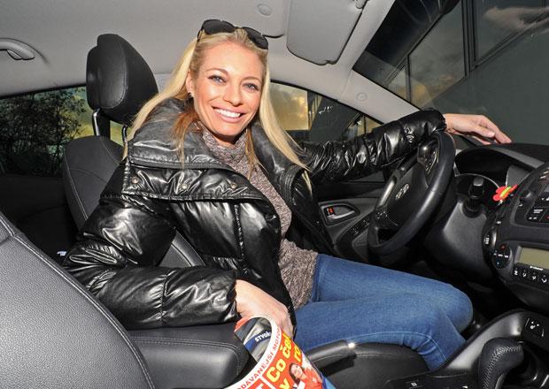 Rozhovor s Lucií Borhyovou: Za volantem jsem chlap