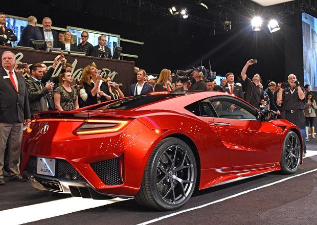 Prvn� Honda NSX se vydra�ila za 30 milion� korun