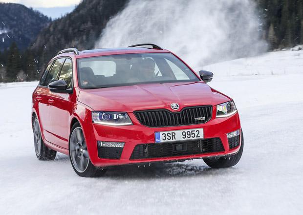 Je na sněhu lepší Octavia 4x4, nebo 4x2? Rozdíly popisují piloti týmu Škoda Motorsport (+video)