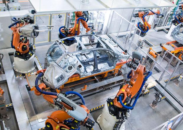 Volkswagen po emisn�m skand�lu prudce sn�il v�robu v Mexiku