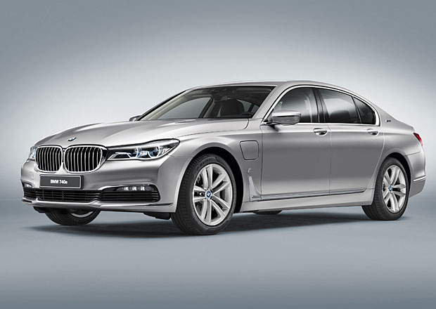 BMW 740e: Prvn� plug-in hybrid z �ady iPerformance