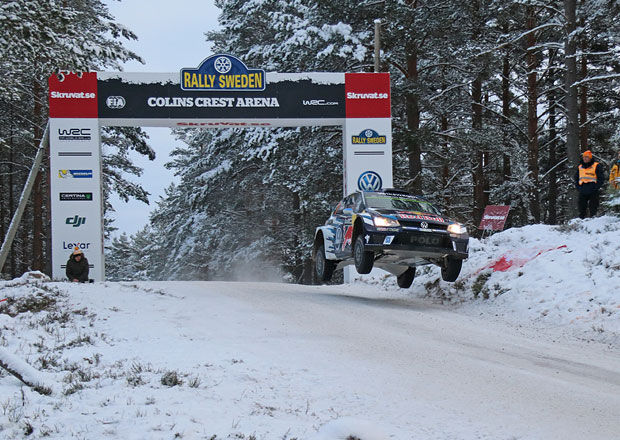 Nejdel�� skok �ampion�tu WRC: L�tat jako Ogier