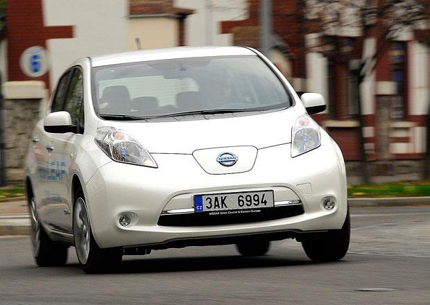 Počet nabíjecích míst pro elektromobily stoupá, prodeje aut klesají