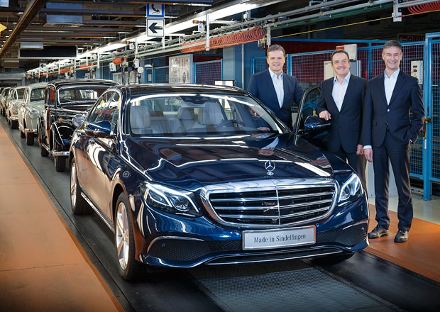 Nov� Mercedes-Benz E se za��n� vyr�b�t. Nav�e na �sp�chy p�edch�dc�?