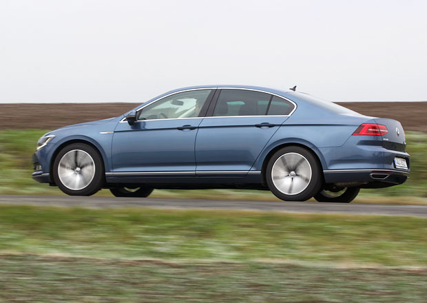 �esk� trh v �noru 2016: �koda mohutn� roste, Volkswagen pad�