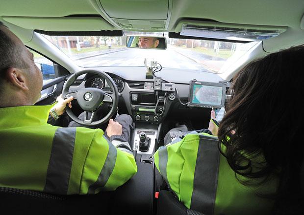 Chytali jsme řidiče policejní octavií: V přestrojení