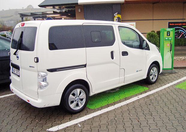 Nissan E-NV200 Evalia: Sedm elektrick�ch