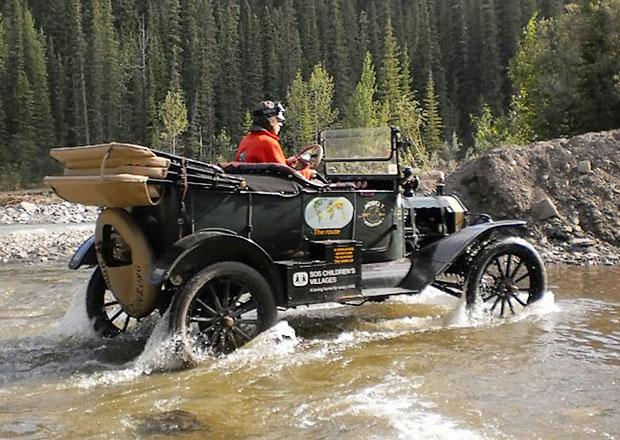 Ford T z roku 1915: S Plechovou Lízinkou kolem světa
