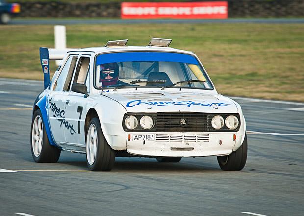 Škoda 120 L V8: Závodní bestie z Nového Zélandu s osmiválcem Rover