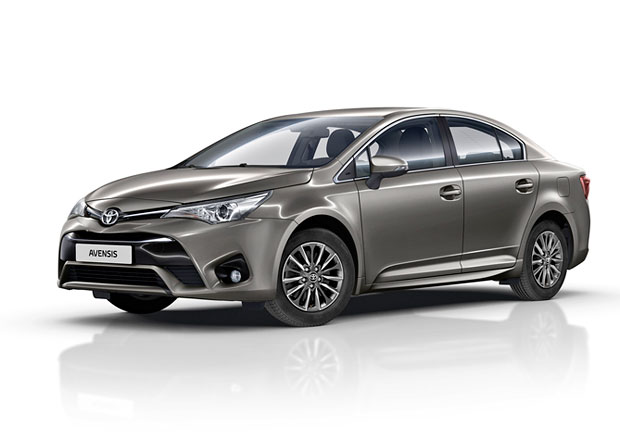 Toyota Auris a Avensis: Nový multimediální systém a další drobnosti