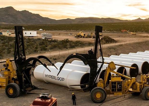 Ameri�ani otestovali superrychlou dopravu budoucnosti. Co to ten Musk zase vymyslel...