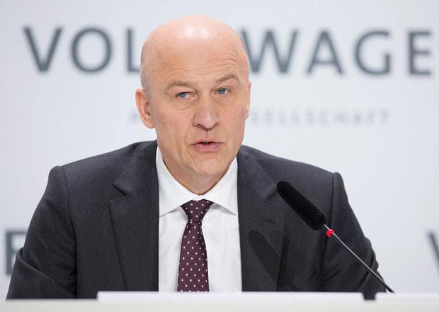 Volkswagen slibuje revizi systému odměňování vedoucích pracovníků