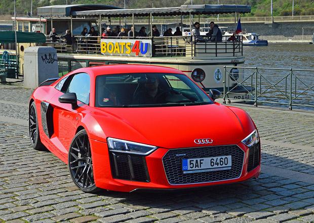 Čeští automobiloví spotteři: S foťáky a mobilními telefony dobývají internet