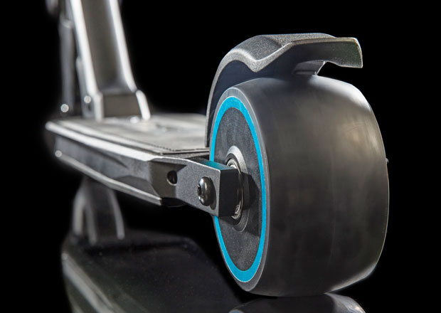 Peugeot e-Kick: Elektrokoloběžka do kufru 3008