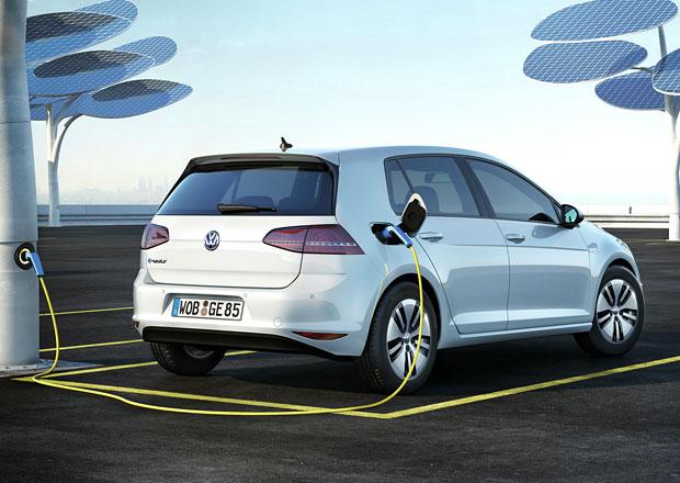 Volkswagen uvažuje o vlastní továrně na baterie