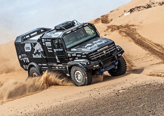 Kamaz představil kamion pro Dakar 2017. Motor má 12,5 litru a 980 koní