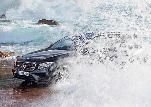 Mercedes-Benz E kombi se začíná odhalovat před pondělní premiérou