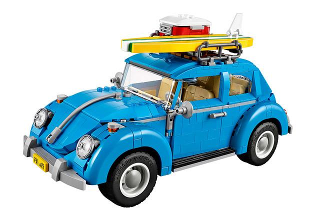 Volkswagen Beetle z Lega je hračka pro velké kluky. Cena ale není nízká