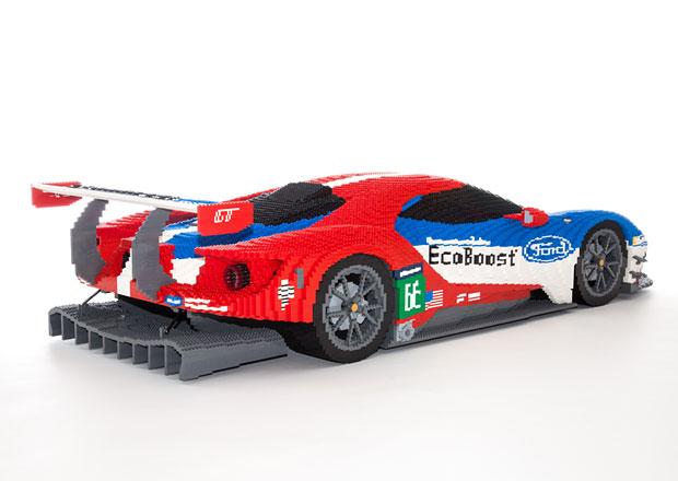 Nový závodní Ford GT i klasický GT40 jako modely z Lega (+video)