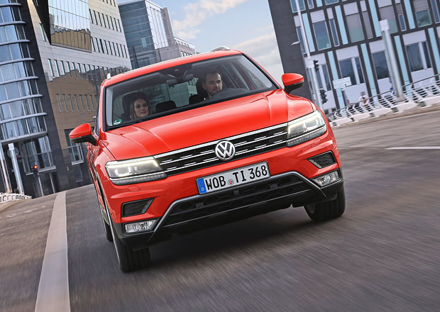 Volkswagen investuje do transformace desítky miliard eur